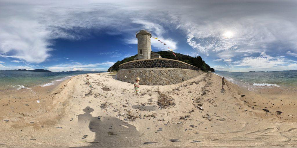 男木島灯台の近くの浜からパノラマ写真を撮ってみた