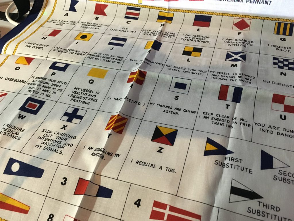 船の信号旗の意味入りハンカチ