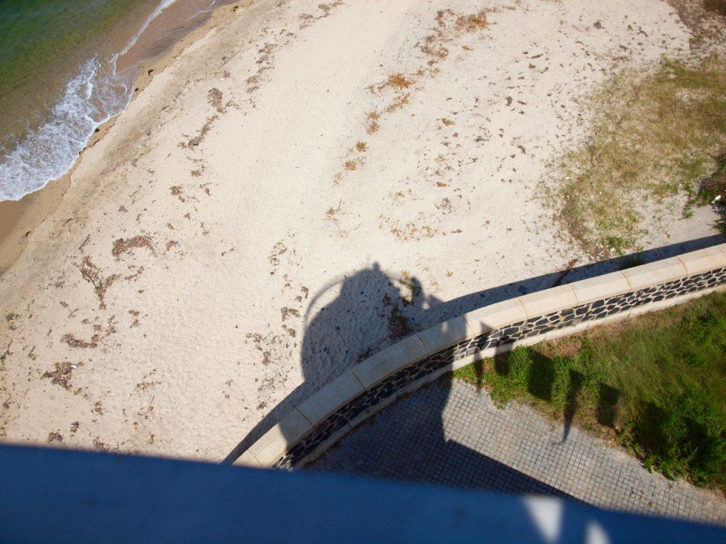 上からカメラだけ出して下を撮影してみた。
