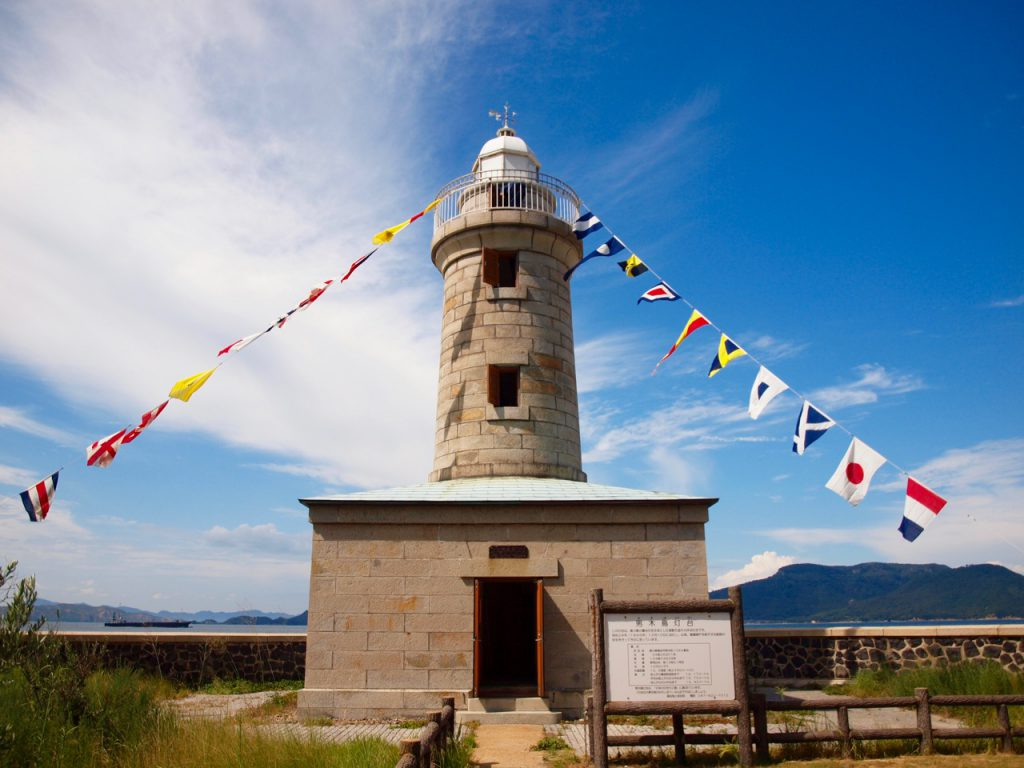 正面から見た男木島灯台。